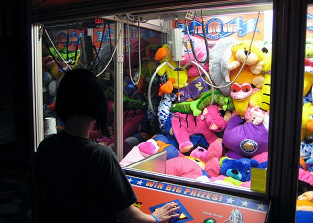 beating-claw-machine05